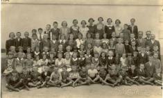 další foto žáků         školy vr. 1925
